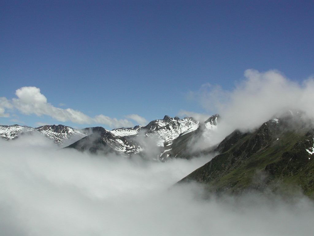 照片:巴郎山雪雾