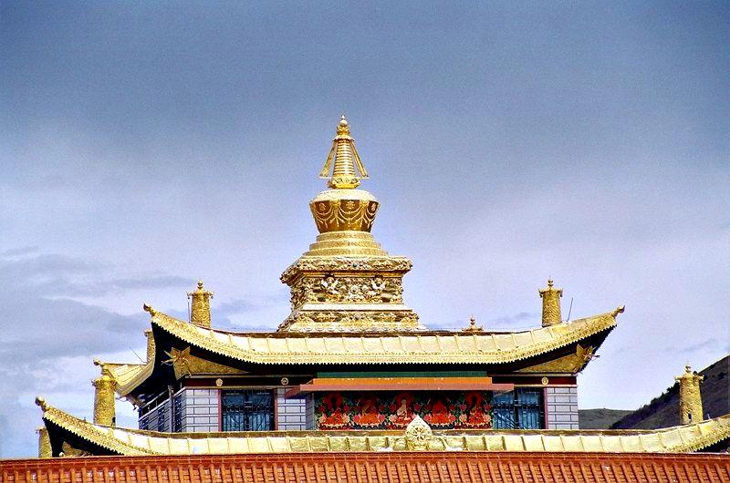 照片 十世班禅纪念金塔